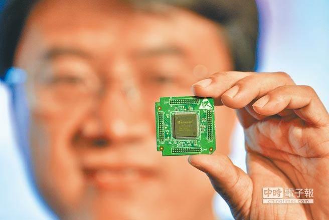晶圓代工龍頭台積電憑著精良技術、良品率優勢,搶下蘋果明年A13晶片訂單,令競爭對手難以望其項背。(資料照/新華社)