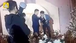 婚禮只見「新郎一人現身」他靦腆笑:新娘去生產了