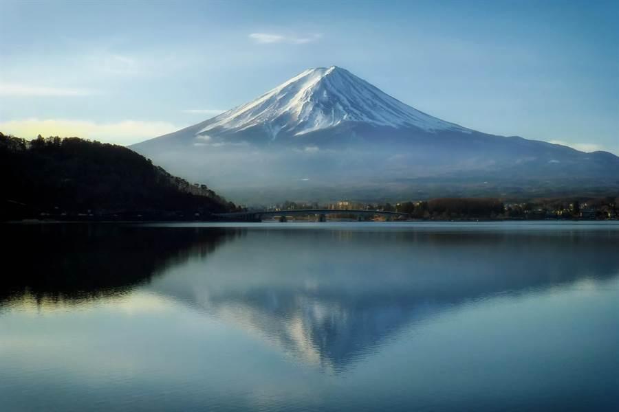 日本富士山河口湖畔的景色壯觀優美。(圖自2017 from pxhere)
