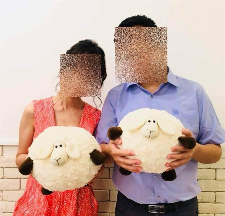 林男臉書上有許多與妻子的甜蜜合照。(翻攝林男臉書)