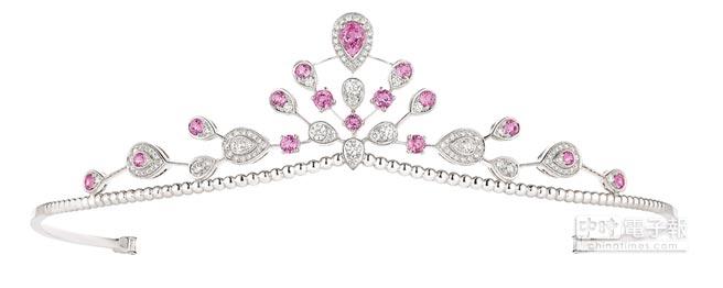 CHAUMET的Josephine Aigrette imperiale皇冠,198萬5000元。(CHAUMET提供)