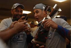 MLB》馬恰多闖世界大賽 紅襪球迷拳頭硬了