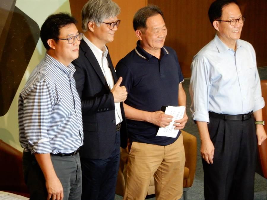 北部20多個大學學生會、團體舉辦台北市長辯論,但柯文哲缺席。(林志成攝)