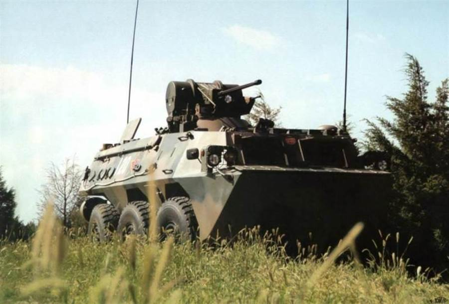 大陸裝的ZSL-92輪式裝甲車。(圖/網路)