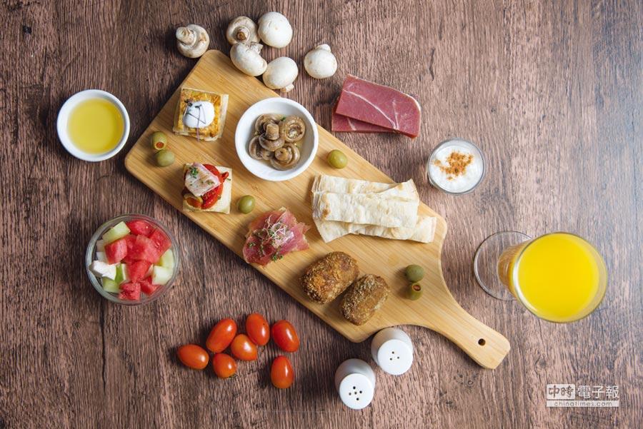 理想大地即日起至11月15日推出西班牙美食節,由Sergio主廚帶來道地的西班牙Tapas美饌。圖/業者提供