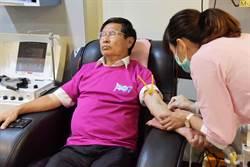 嘉義》有默契!黃敏惠、涂醒哲不約而同 赴捐血站捐血