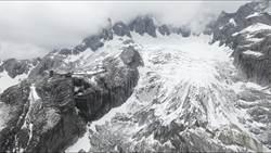 暖化危機 雲南玉龍雪山冰川消融中