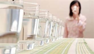 你用什麼裝水喝?3個壞習慣一定要改掉