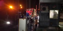 普悠瑪出軌意外 第6、8節車廂送往楊梅富岡基地