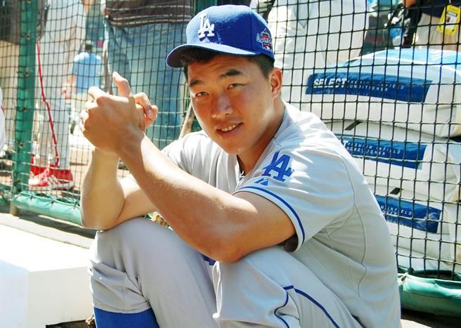 郭泓志入選2010年美國職棒大聯盟明星賽,成為台灣選手第一人。圖為郭泓志賽前在牛棚休息。(中央社資料照)
