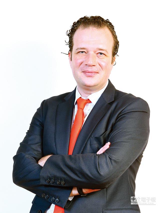 法國巴黎資產管理新興市場固定收益團隊共同投資長Jean Charles Sambor。圖/業者提供