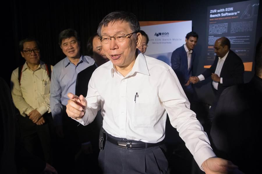 台北市長柯文哲(見圖)23日受訪時表示,民調其實是個迷思,民調一定要公布是怎麼做的、加權怎麼做,民調也是一個科學。(杜宜諳攝)