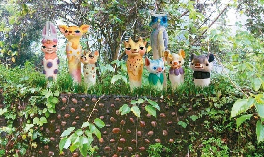 陶瓷窯燒作品「山線珍奇」,以當地動物,結合植物及人型形象,創作出守護山區的神靈形象。(巫靜婷翻攝)