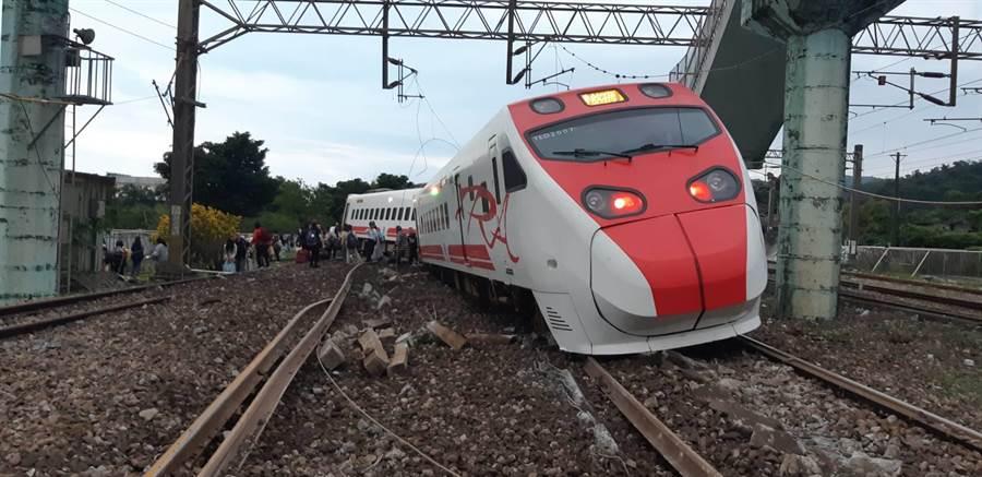 司機有無通報關ATP,檢方台鐵不同調,台鐵產業工會表示,應公布相關通聯紀錄。(資料照片)