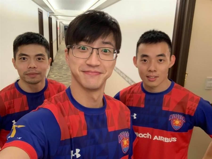 莊智淵(左起)、江宏傑和陳建安攜手挑戰日本T聯賽。(取自江宏傑臉書粉專)