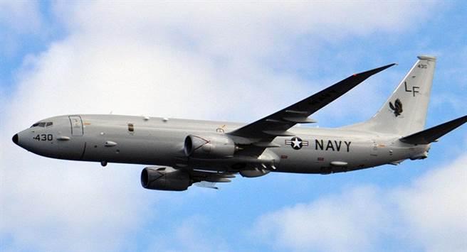 俄軍指控美軍P-8海神式海上巡邏機指揮無人機群攻擊俄軍基地。(圖/衛星通訊社)