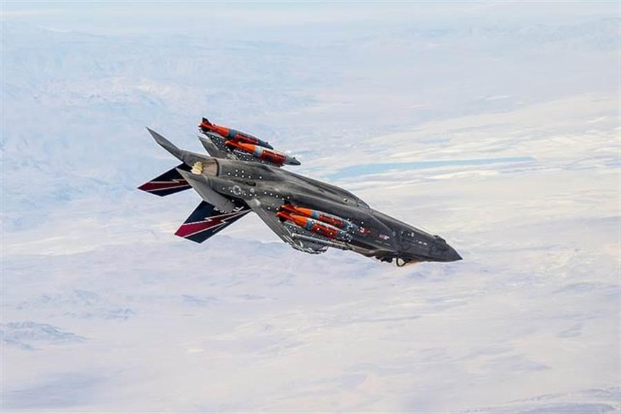 F-35一旦掛上B61 Mod 12核彈,可以從立陶宛等北約國家直接攻擊莫斯科。(圖/洛克希德馬丁)
