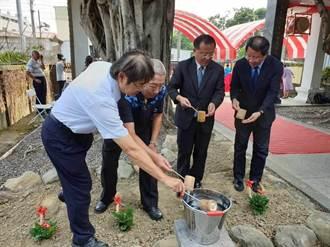 企業贈沈光文銅像 紀念園區明年開幕