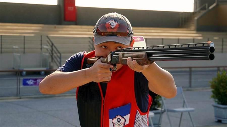 亞運國手施榮宏在男子不定向飛靶決賽一路領先,順利守住金牌。(主辦單位提供)