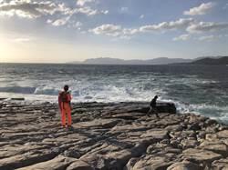 新北龍洞驚傳釣客落海   潛搜人員尋獲遺體