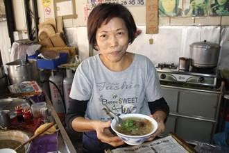 肉羹湯36年好滋味,客人三代都來吃。