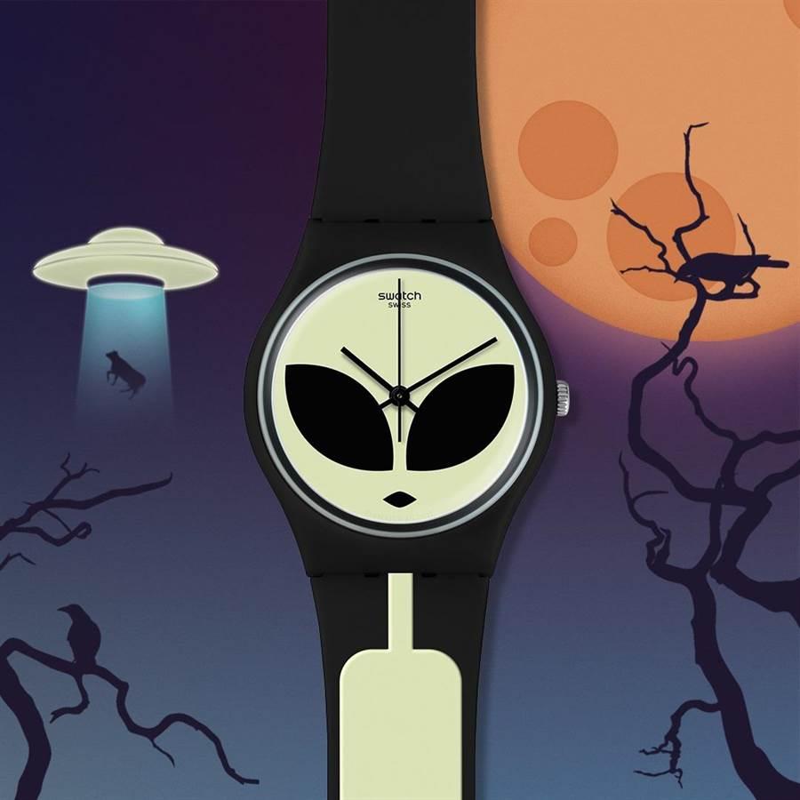 SWATCH萬聖節主打外星人的「外星突擊」腕表,2050元。(SWATCH提供)