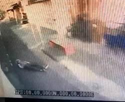 人未上車關門起步 台南老婦搭公車摔落四腳朝天