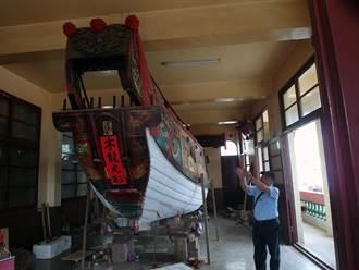 三級古蹟安平妙壽宮出重資 古法修復全台最古老王船