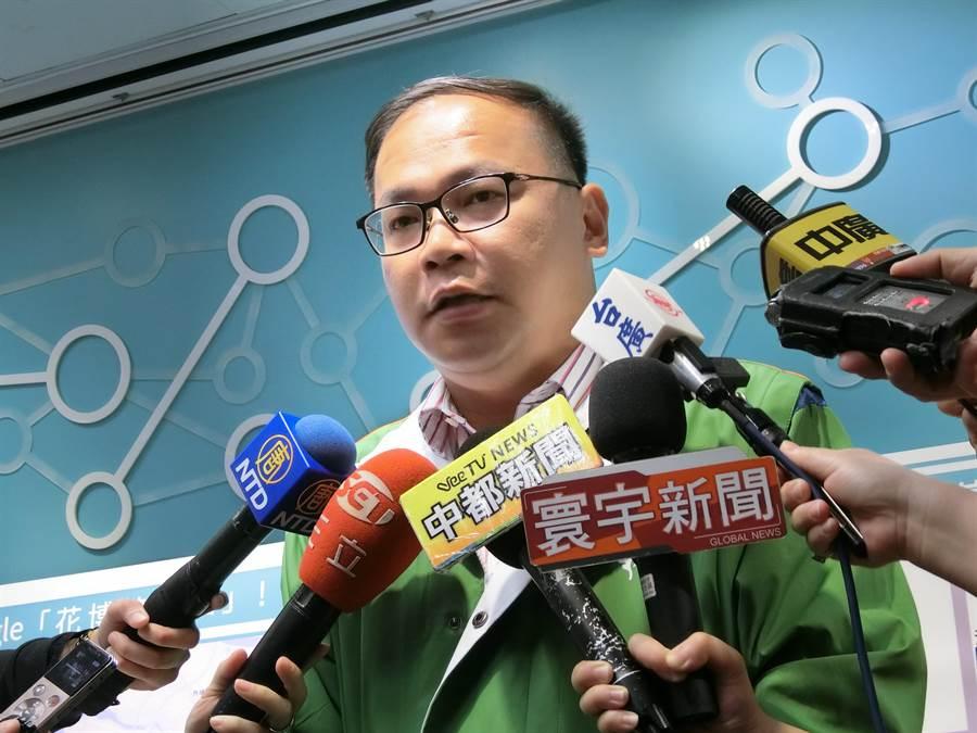 台中市府交通局長王義川表示,「搭火車看花博才是王道!」(盧金足攝)