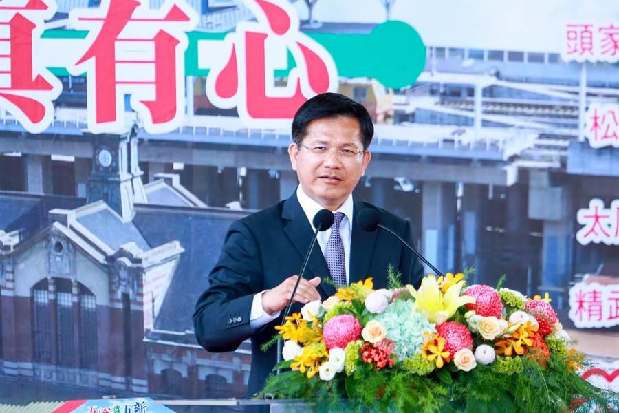 民進黨台中市長候選人林佳龍表示,盧秀燕以同濟總會名義成立後援會,已引起反彈。(林欣儀攝)