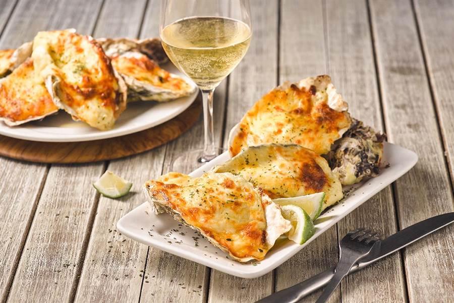 「焗烤生蠔」可同時品嘗海鮮與起司雙重風味。(圖片提供/饗食天堂)