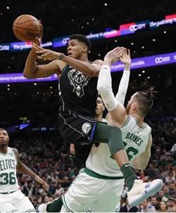 NBA》字母哥無力回天 公鹿不敵綠衫軍 開季7連勝止步