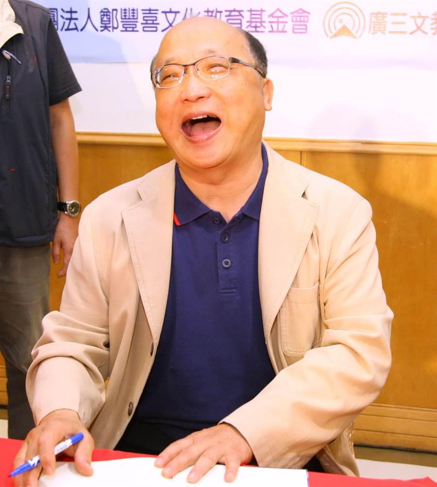 前台中市長胡志強在臉書分享女兒胡婷婷兒子滿月的喜訊,欣喜的表示「我真的很幸福!」(盧金足攝)
