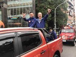 新竹》選前最後3個周末  新竹市長候選人林智堅率12議員候選人車隊掃街