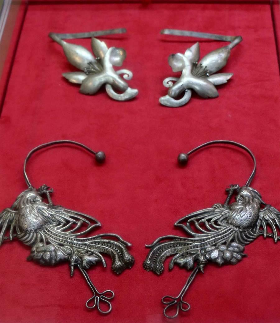 典雅的銀製器物,展現早期的工藝之美。(李金生攝)