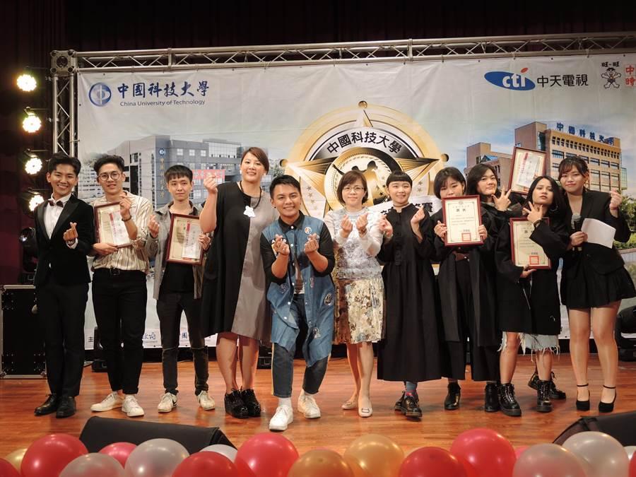 「2018華語流行音樂校園爭鋒賽」北區選拔賽3日在中國科大舉辦,選出5名最佳好聲音。(邱立雅攝)