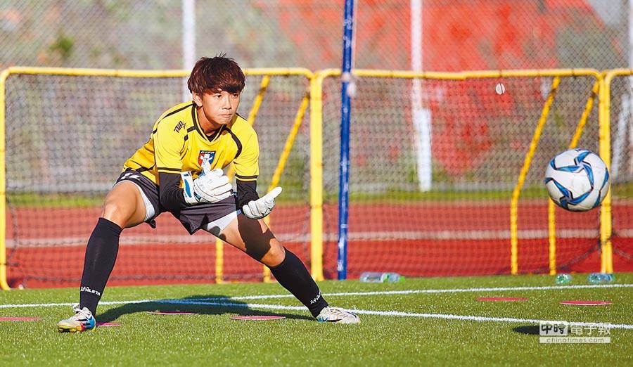 雅加達亞運表現精彩的守門員蔡明容,再度隨中華女足出征奧運資格賽。(李弘斌攝)