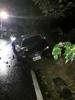 追捕可疑車輛 警車毁損2員警受傷