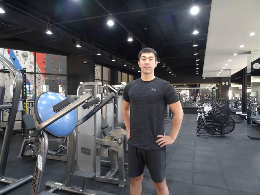 大普諾健身房總經理阮雋皓其實是大埔鐵板燒第二代,跨足健身市場起源於一段追求健康的歷程。(馮惠宜攝)