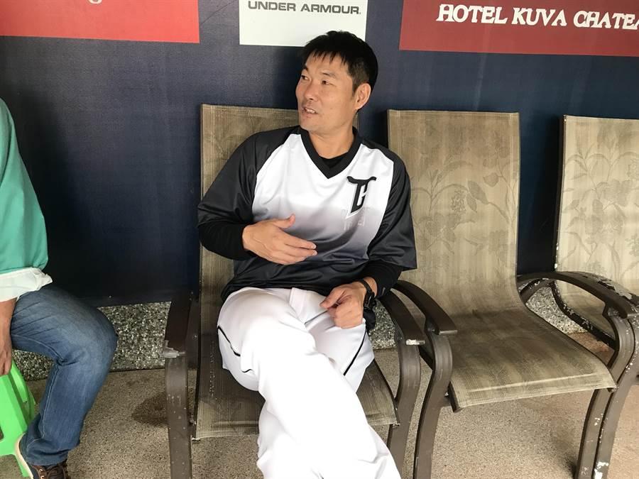 中職聯隊總教練黃甘霖。(鍾亞芳攝)