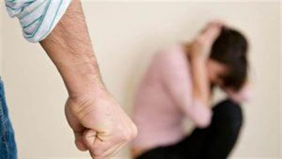 淫男性侵智障少女遭判刑,假釋再犯重判9年。(示意圖/達志影像/shutterstock提供)