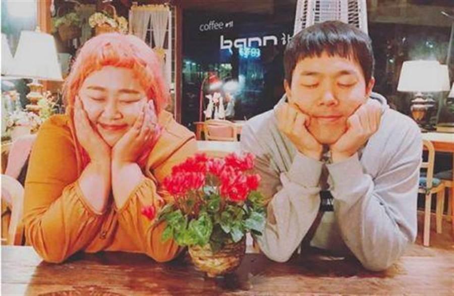 韓國諧星情侶洪允花和金民基交往8年,本月即將走上結婚禮堂。(圖/翻攝自洪允花IG)