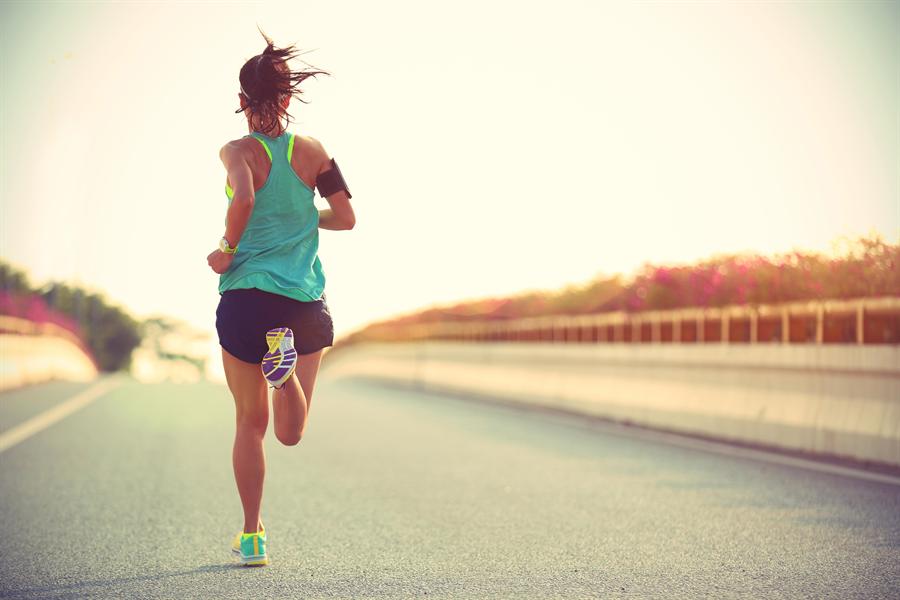 心跳快慢是消耗熱量多寡的因素之一。(示意圖/達志影像)