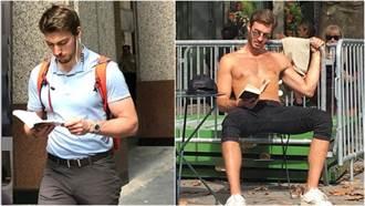 哥就是不滑手機!紐約「愛看書的肌肉男」就像是大衛雕像般賞心悅目