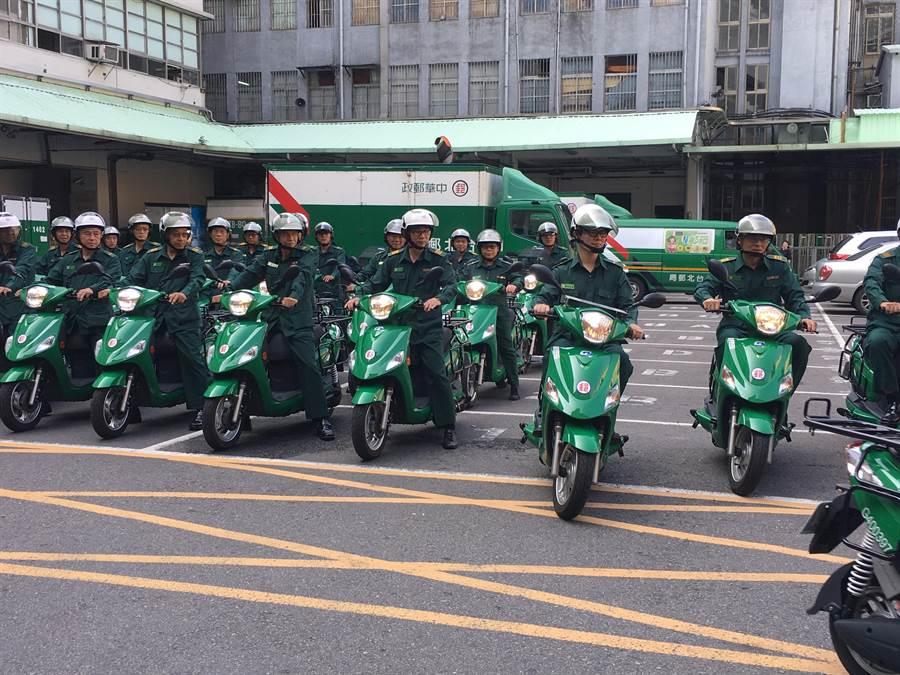 中華郵政公司今日舉辦道路安全訓練開訓典禮。圖/李宜秦攝