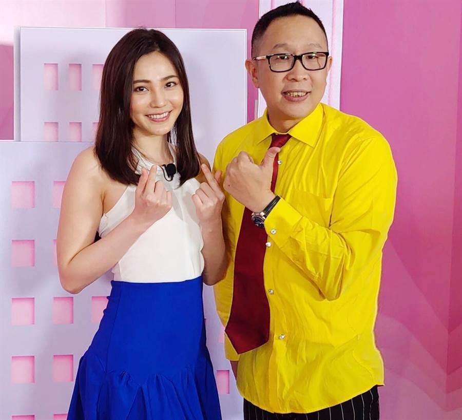 圖:侯啓東(右)和台灣藝人邱慧雯(左)同時參與淘寶直播節目
