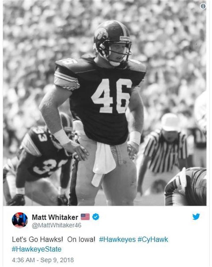 惠塔克在個人推特上放上自己當年穿著愛荷華鷹眼隊46號球衣英姿的舊照。(圖/擷取自惠塔克個人推特)
