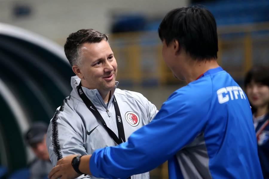 蓋瑞懷特重返台灣,卻是帶領香港隊登門踢館。(李弘斌攝)