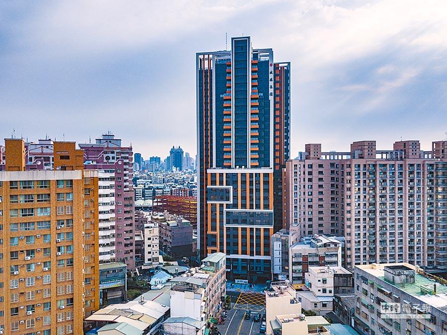 城揚建設在民族路和建工路口附近,推出大樓住宅「大綠光」,吸引首購和首換族的青睞。圖/顏瑞田