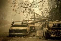 影》加州大火死亡人數上升至25人